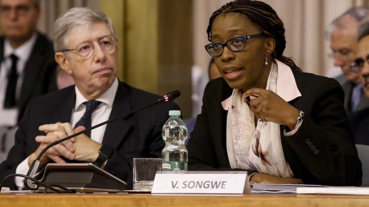 Angola foi único país que reestruturou dívida privada sem queda do rating