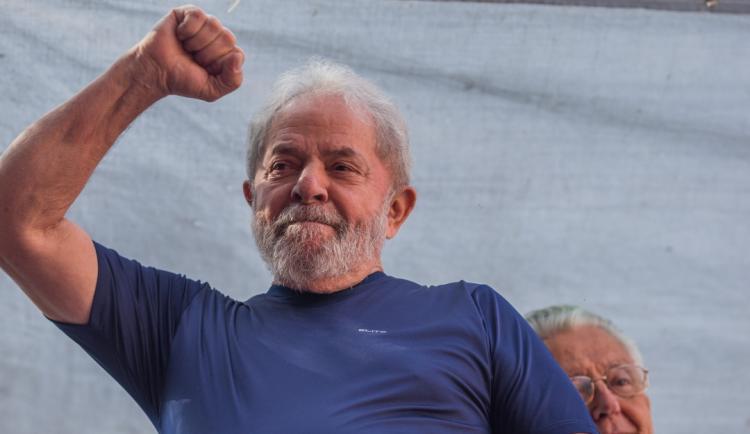 Tribunal anula condenações de ex-PR Lula da Silva