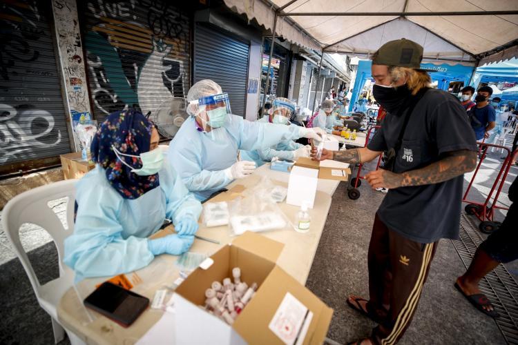 Mundo atinge quase 142 milhões de casos