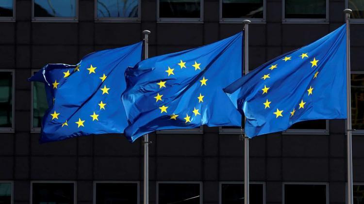 UE pede reavaliação da AstraZeneca