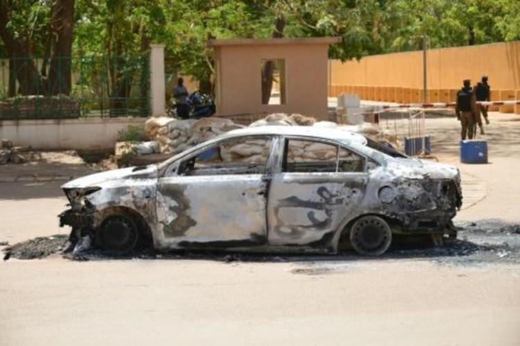 Ataque extremista deixa 30 mortos