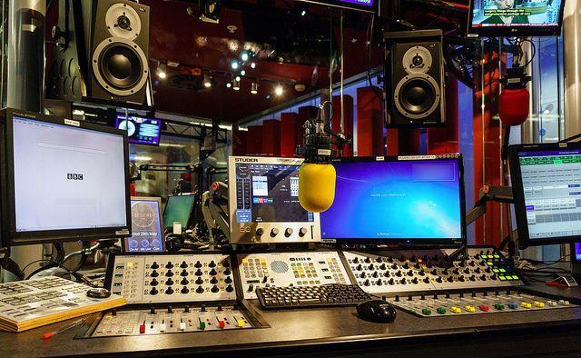 UNIC com estúdios de rádio e de tv